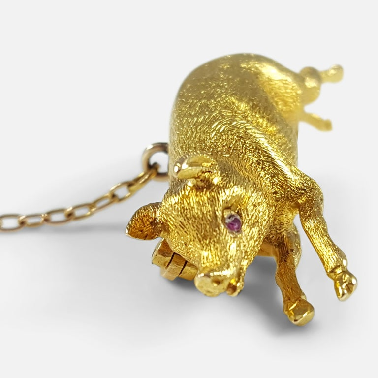 Women's Edwardian 15 Karat Yellow Gold Pig Brooch circa 1910 4.4 Grams For Sale
