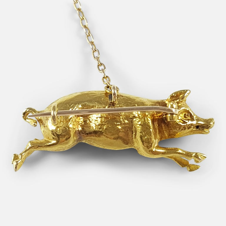 Edwardian 15 Karat Yellow Gold Pig Brooch circa 1910 4.4 Grams For Sale 1