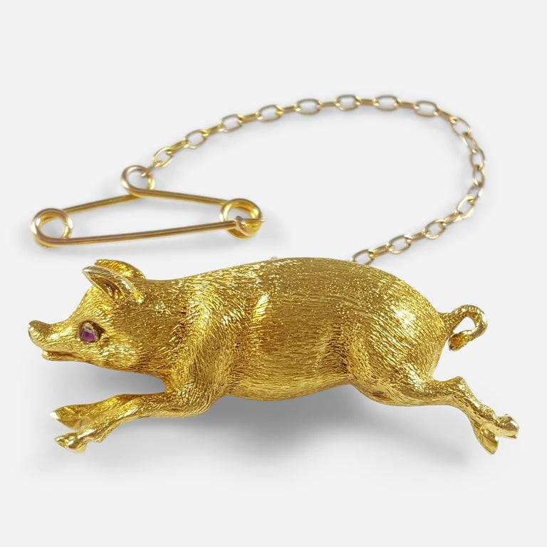 Edwardian 15 Karat Yellow Gold Pig Brooch circa 1910 4.4 Grams For Sale 4