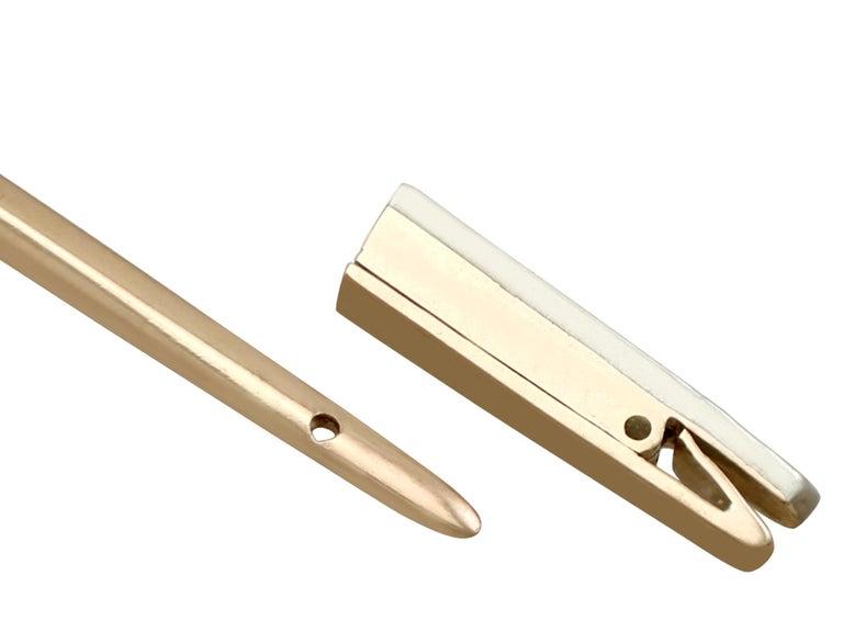 Edwardian 1.59 Carat Diamond Yellow Gold Jabot Pin Sword Brooch For Sale 2