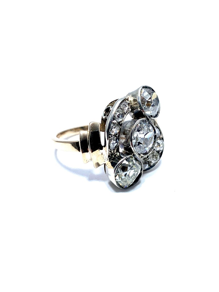 Women's or Men's Edwardian 2.70 Carat Old Mine Cut Diamond Silver and Yellow Gold Ring For Sale
