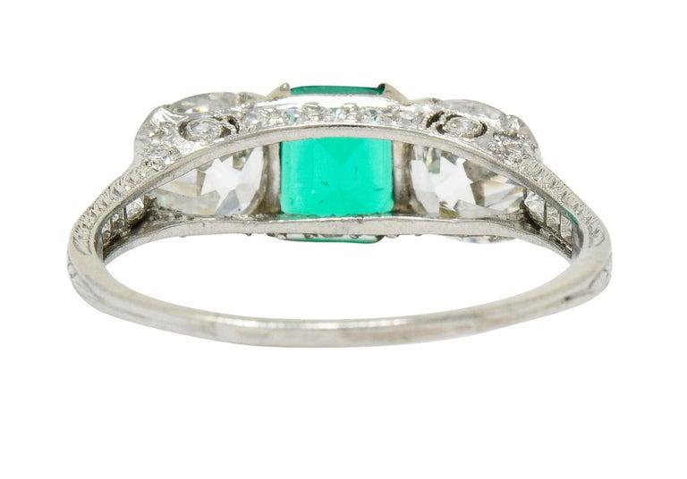 Edwardian 2.71 Carat Emerald Diamond Platinum Three-Stone Ring, circa 1915 In Excellent Condition In Philadelphia, PA