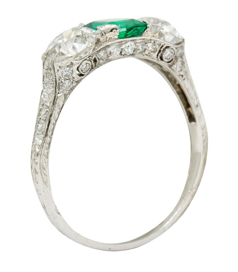 Edwardian 2.71 Carat Emerald Diamond Platinum Three-Stone Ring, circa 1915 3