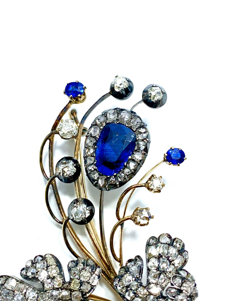 Edwardian 3.02 Carat Pear Shape Sapphire and Diamond Silver over Gold Bouquet For Sale 1