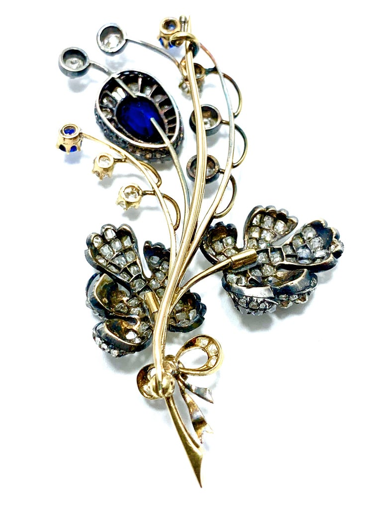 Edwardian 3.02 Carat Pear Shape Sapphire and Diamond Silver over Gold Bouquet For Sale 2