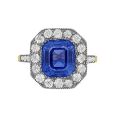 Edwardian 4.05 Carat Sapphire and Diamond Cluster Ring, circa 1910