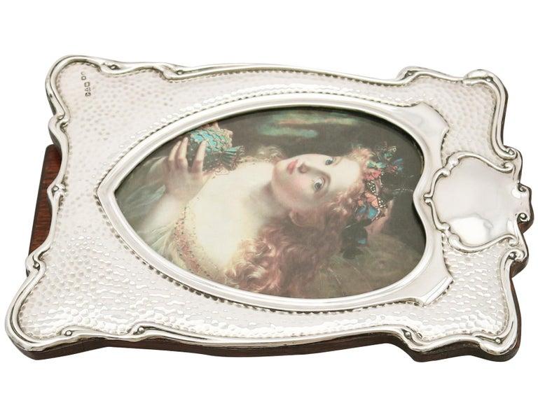 Edwardian Art Nouveau Style Sterling Silver Photograph Frame For Sale 1