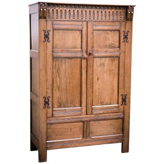 Edwardian Arts & Crafts Medium Oak Livery Cupboard Wardrobe