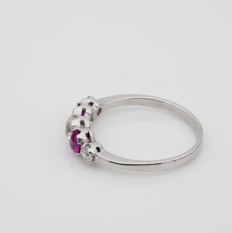 Edwardian Burma Ruby and Diamond Five-Stone Platinum Ring For Sale 3