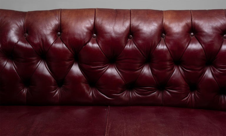 Late 19th Century Edwardian Chesterfield Sofa, England, circa 1890 For Sale