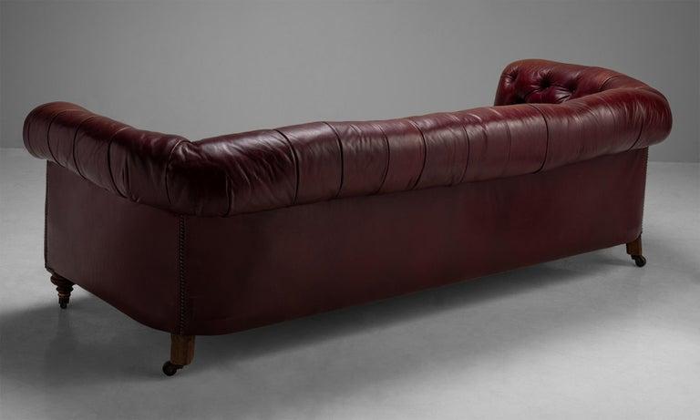 Edwardian Chesterfield Sofa, England, circa 1890 For Sale 2