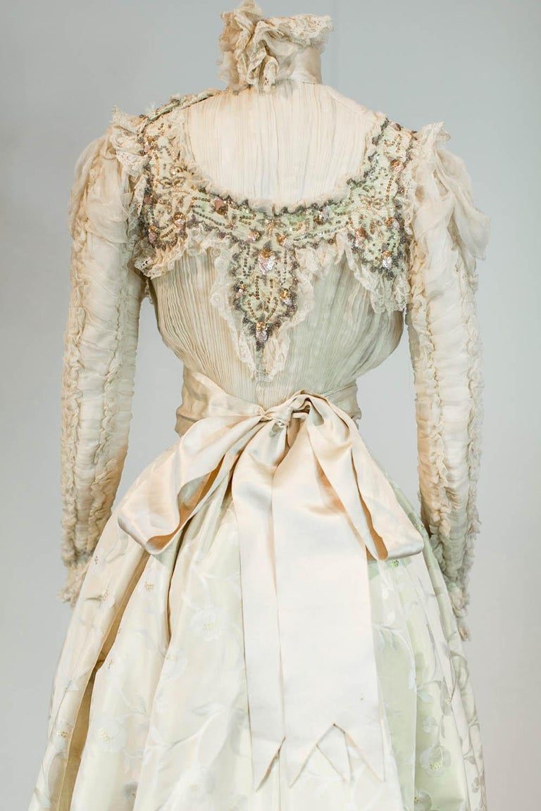 Edwardian Damask and Chiffon Silk Ceremony French Labelled Gown Circa 1900 For Sale 7