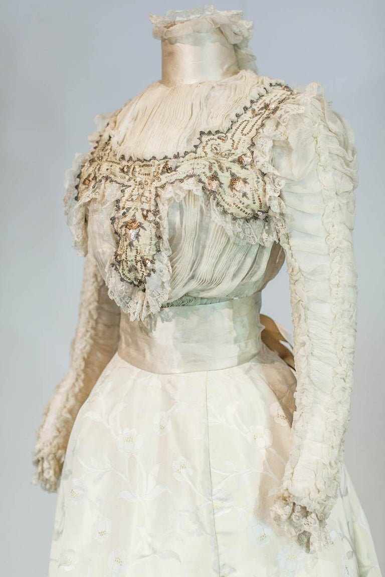 Edwardian Damask and Chiffon Silk Ceremony French Labelled Gown Circa 1900 For Sale 1