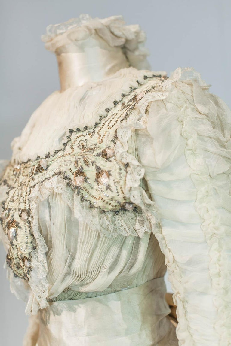 Edwardian Damask and Chiffon Silk Ceremony French Labelled Gown Circa 1900 For Sale 2