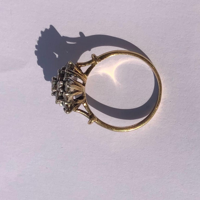 Edwardian Diamond and 18 Carat Gold Cluster Ring In Good Condition In Chipping Campden, GB