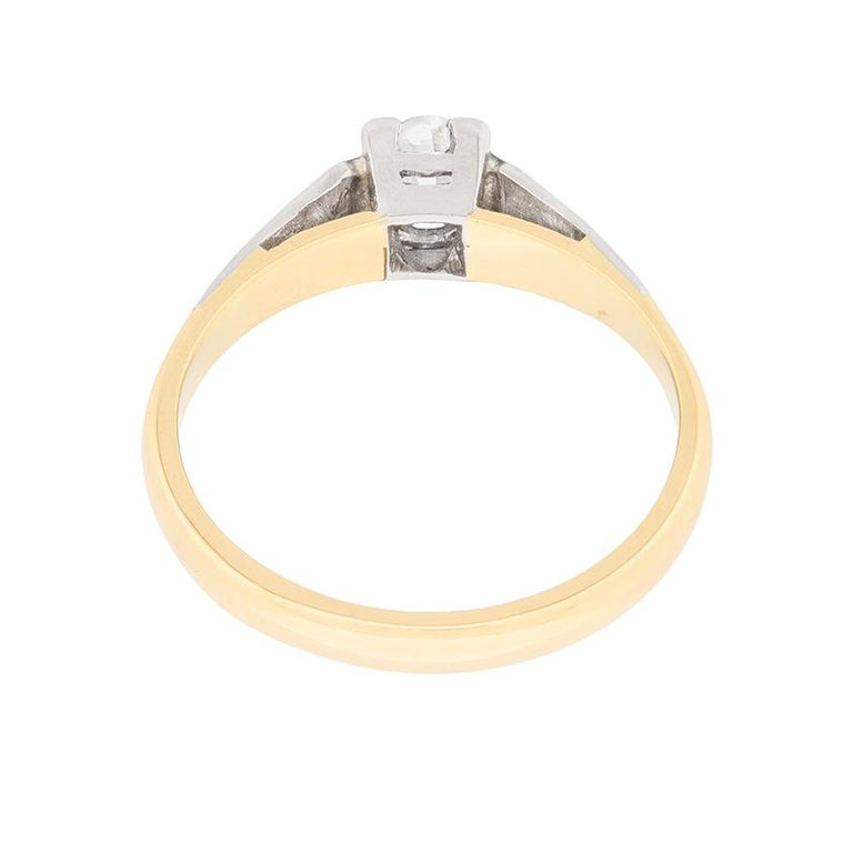 Women's or Men's Edwardian Diamond Solitaire Engagement Ring, circa 1910 For Sale