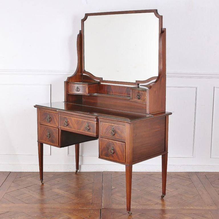 Edwardian English Mahogany Inlaid Vanity In Good Condition For Sale In Vancouver, British Columbia