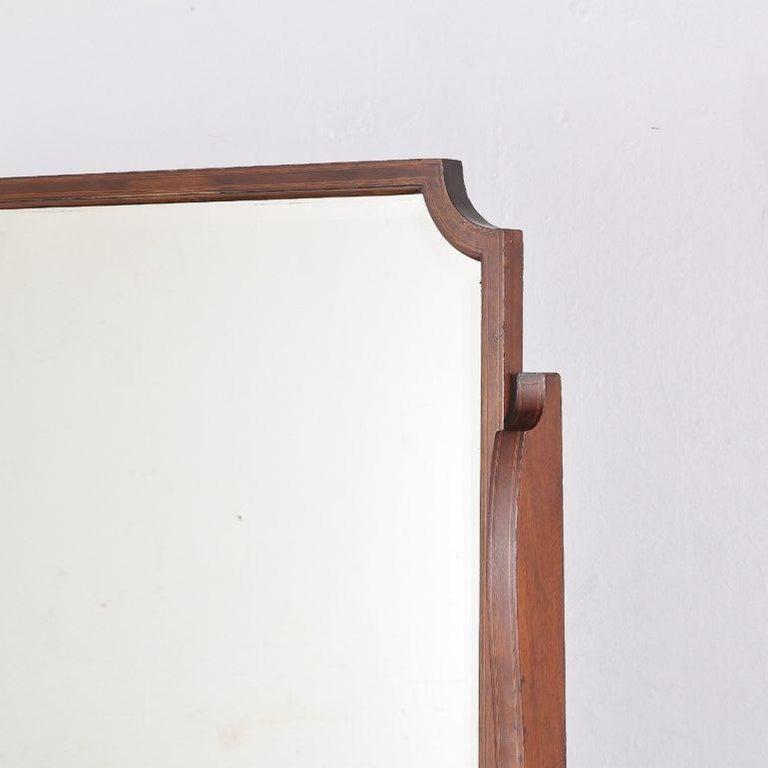 20th Century Edwardian English Mahogany Inlaid Vanity For Sale