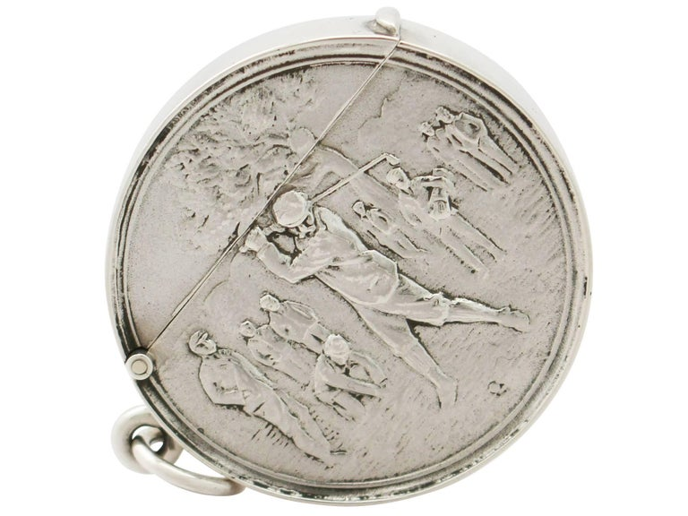 Early 20th Century Edwardian English Sterling Silver Vesta Case For Sale