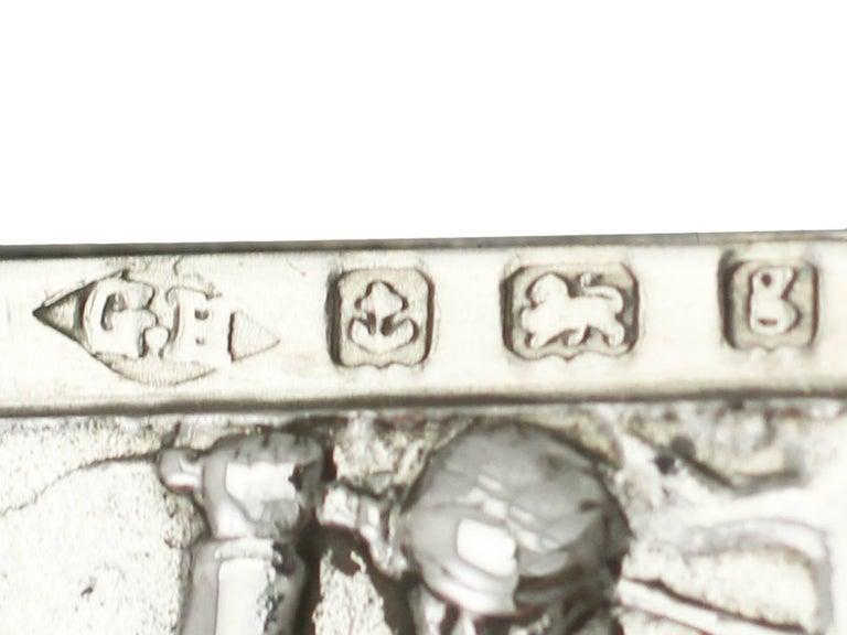 Edwardian English Sterling Silver Vesta Case For Sale 3
