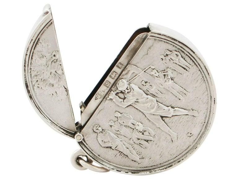 Edwardian English Sterling Silver Vesta Case For Sale 4