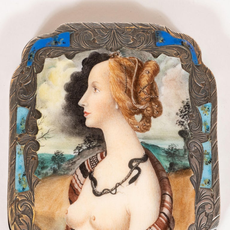 Edwardian Engraved Silver and Hand Painted Enamel Compact Portrait Mirror In Excellent Condition For Sale In New York, NY