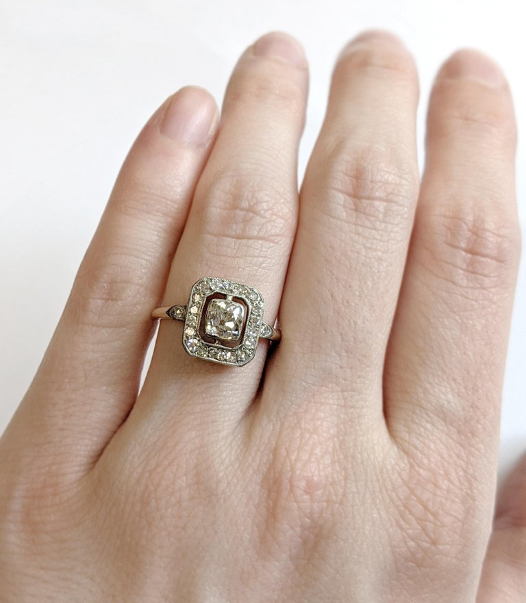 Edwardian Era Old Mine Cut Diamond Engagement Ring In Good Condition For Sale In NEW ORLEANS, LA