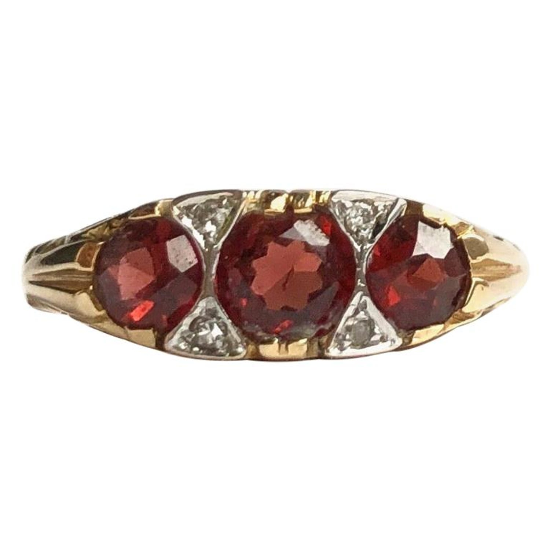 UK Ring Size G Preloved Antique Edwardian Garnet plus 4 tiny Brilliant Diamonds 9 Carat Gold Three-Stone Ring Garnet Triple trio 9ct Gold