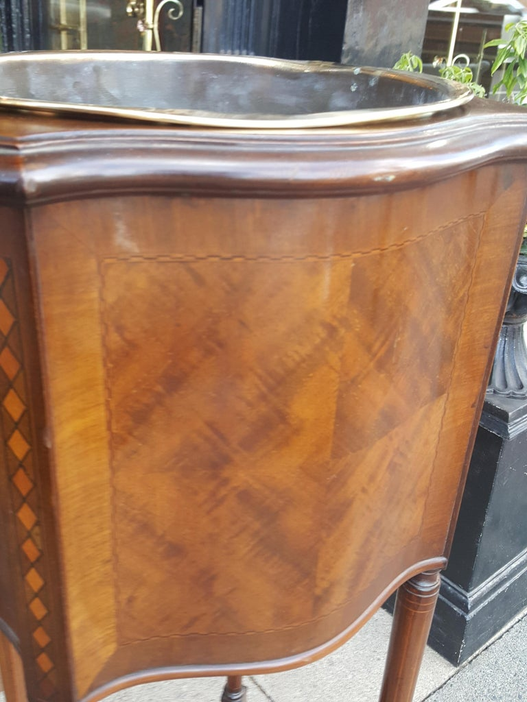 Edwardian Inlaid Mahogany Jardiniere Planter In Good Condition For Sale In Altrincham, Cheshire