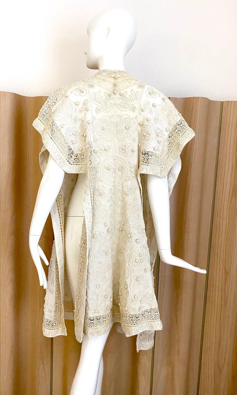 1900's Edwardian off white linen embroidered vest with soutache trim Fit size 2/4/6/8/10 Vest in excellent condition