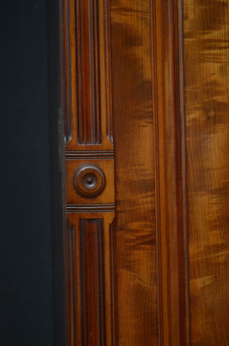Edwardian Mahogany 3-Door Wardrobe For Sale 6