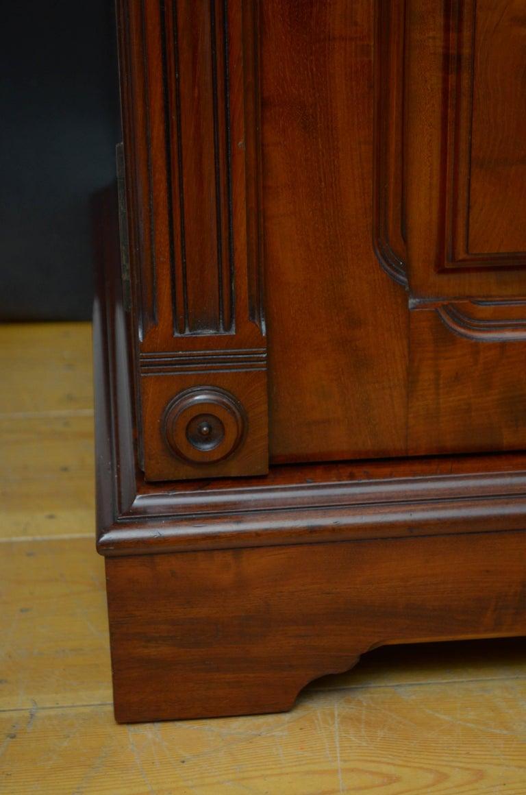 Edwardian Mahogany 3-Door Wardrobe For Sale 7