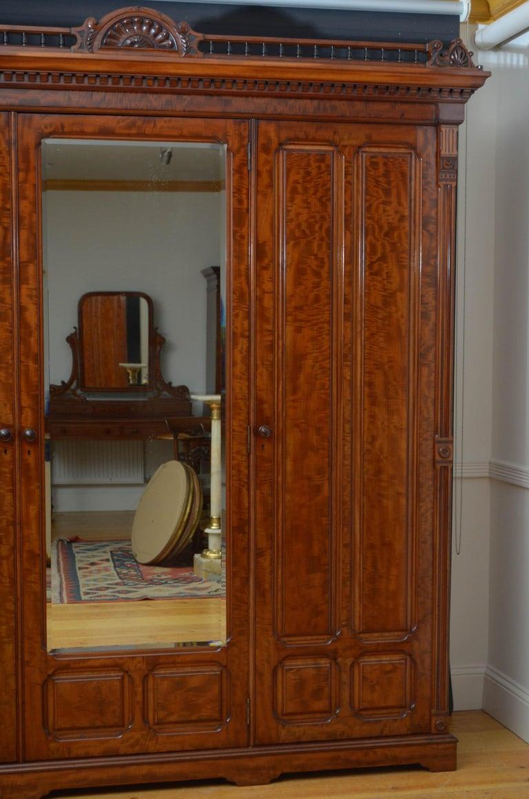 Edwardian Mahogany 3-Door Wardrobe For Sale 12