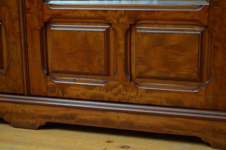 Edwardian Mahogany 3-Door Wardrobe For Sale 13