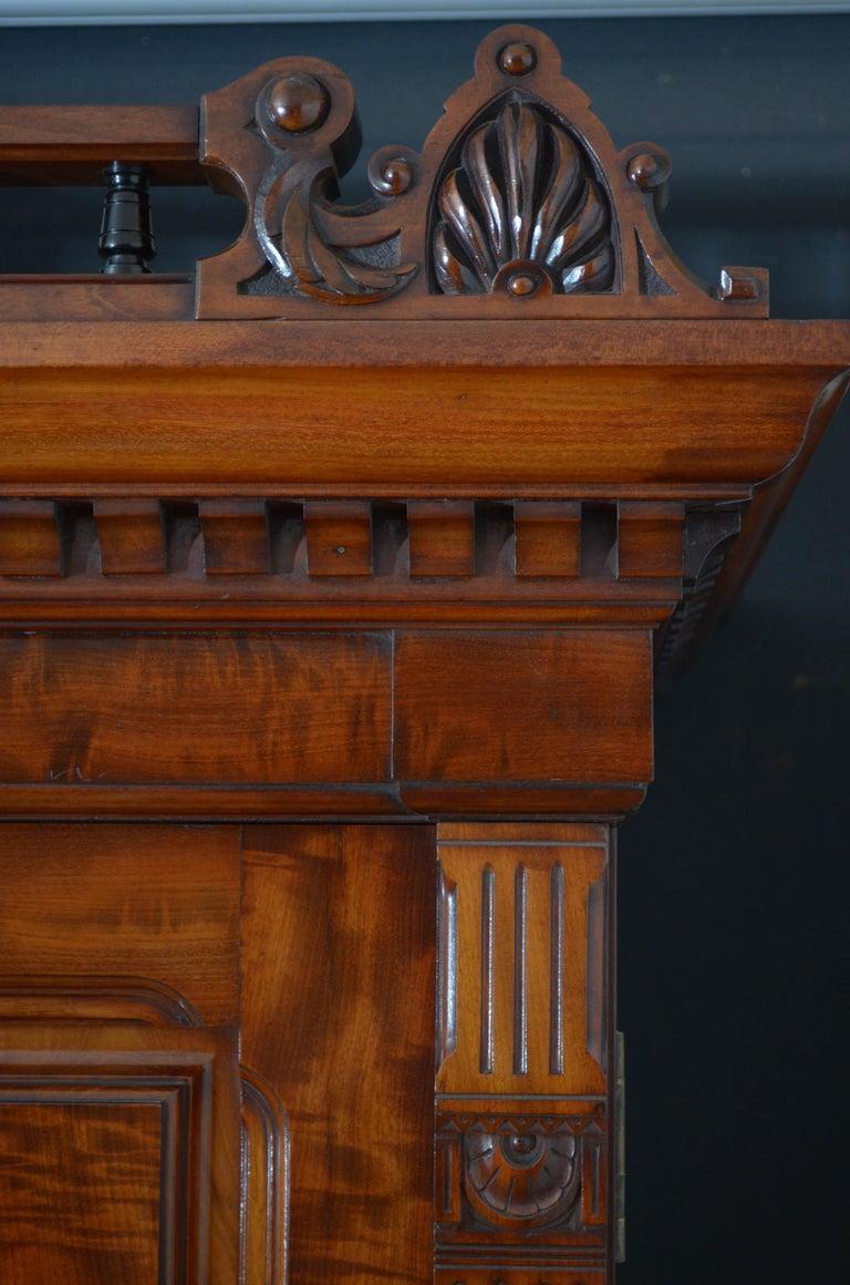 Edwardian Mahogany 3-Door Wardrobe For Sale 4