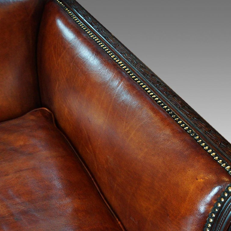 English Edwardian Mahogany Grade 1 Leather Sofa, early 20th. century, Circa 1910 In Good Condition For Sale In Salisbury, Wiltshire