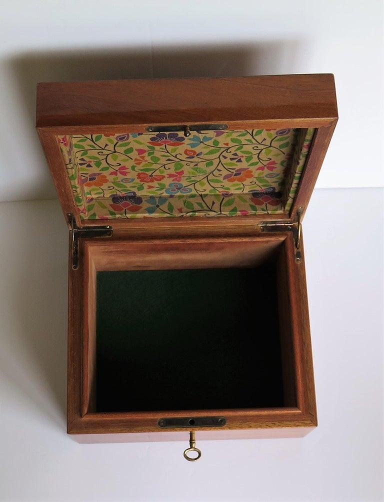 Edwardian Mahogany Lidded Box with Lock and Key Fine Quality, circa 1910 For Sale 9