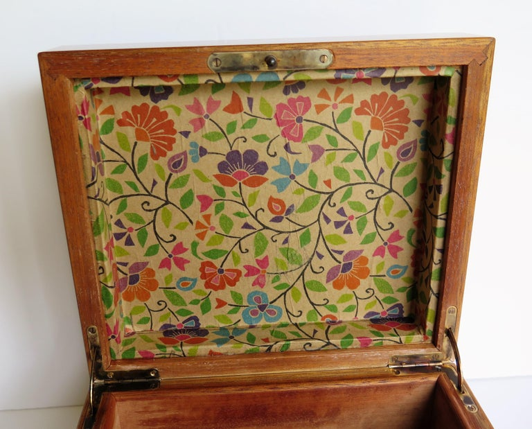 Edwardian Mahogany Lidded Box with Lock and Key Fine Quality, circa 1910 For Sale 10