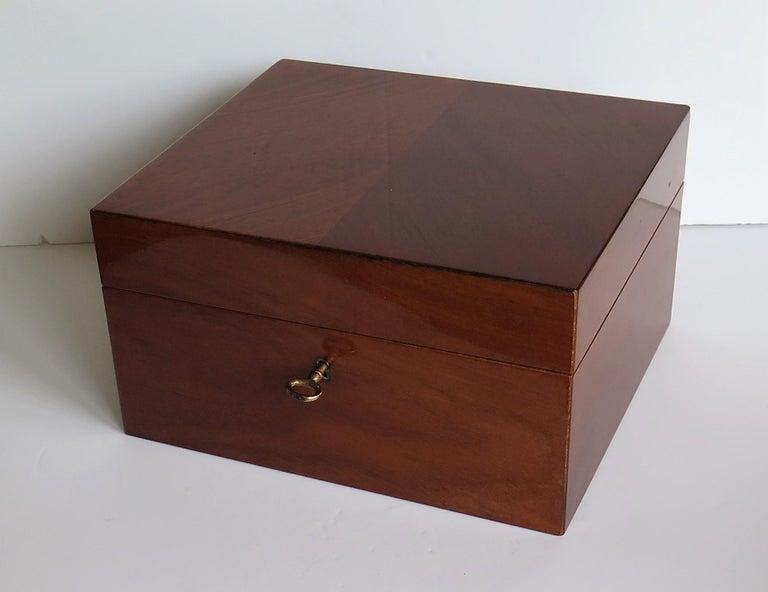 English Edwardian Mahogany Lidded Box with Lock and Key Fine Quality, circa 1910 For Sale