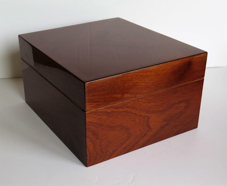 Metalwork Edwardian Mahogany Lidded Box with Lock and Key Fine Quality, circa 1910 For Sale