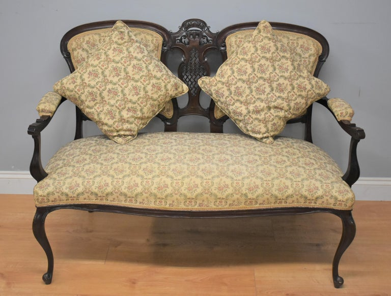 Edwardian Mahogany Three-Piece Salon Suite In Good Condition For Sale In Chelmsford, Essex