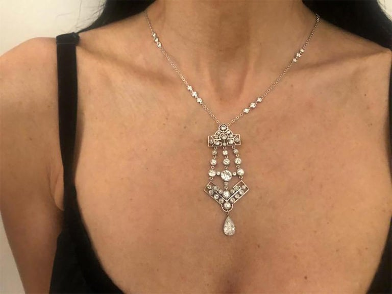 Edwardian Openwork Pendant Brooch In Excellent Condition For Sale In New York, NY