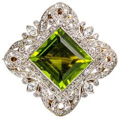 Edwardian Peridot and Diamond Platinum Brooch