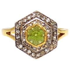 Edwardian Peridot Rose Cut Diamond Platinum 18 Karat Gold Hexagonal Ring