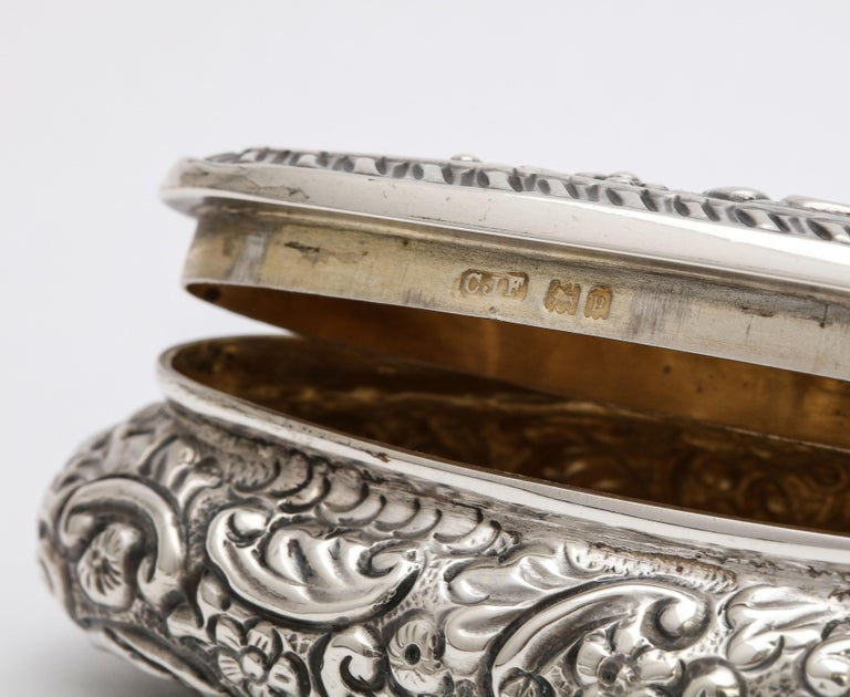 Edwardian Period Sterling Silver Oval Trinkets Box with Hinged Lid For Sale 4