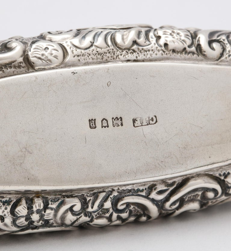 Edwardian Period Sterling Silver Oval Trinkets Box with Hinged Lid For Sale 5