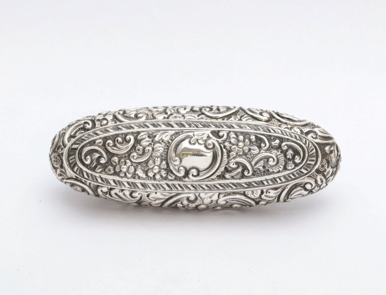 Edwardian Period Sterling Silver Oval Trinkets Box with Hinged Lid For Sale 7