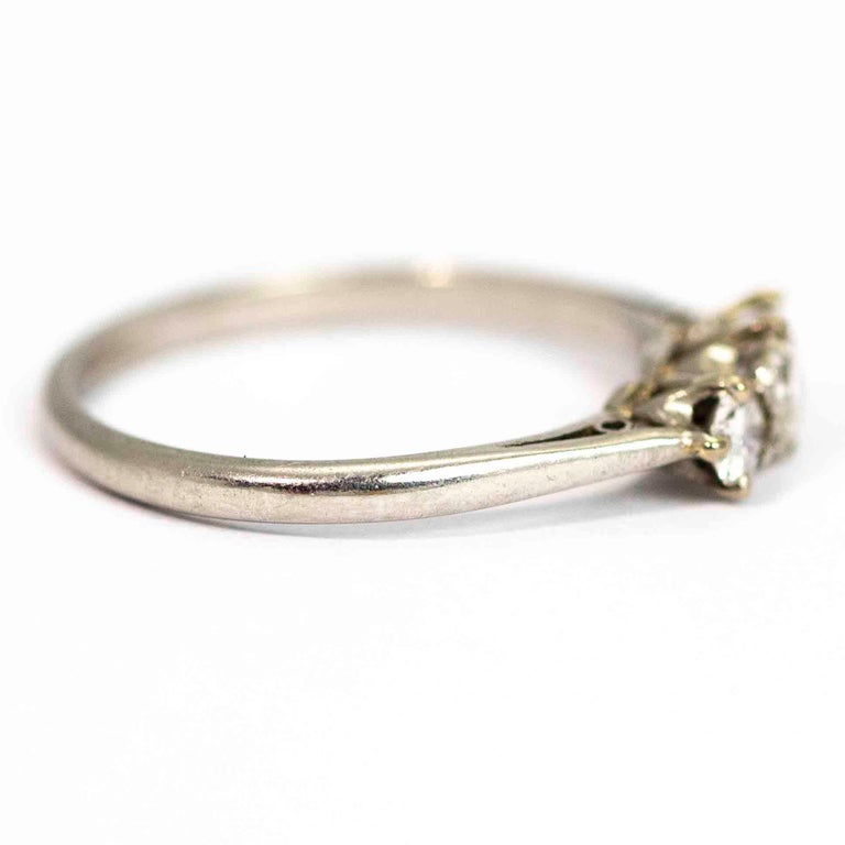 Edwardian Platinum Diamond Three-Stone Ring In Good Condition For Sale In Chipping Campden, GB