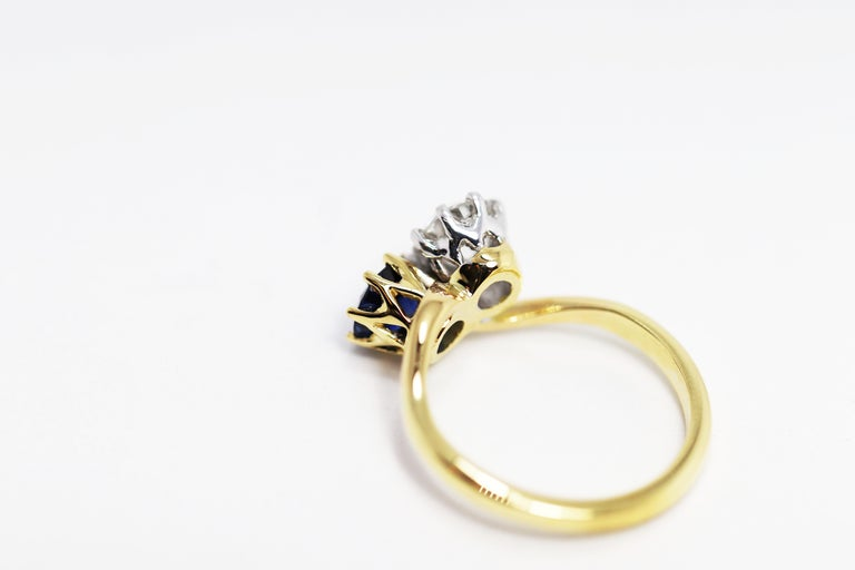 Edwardian Sapphire and Old Mine Cut Diamond Two-Stone Twist Engagement Ring For Sale 2