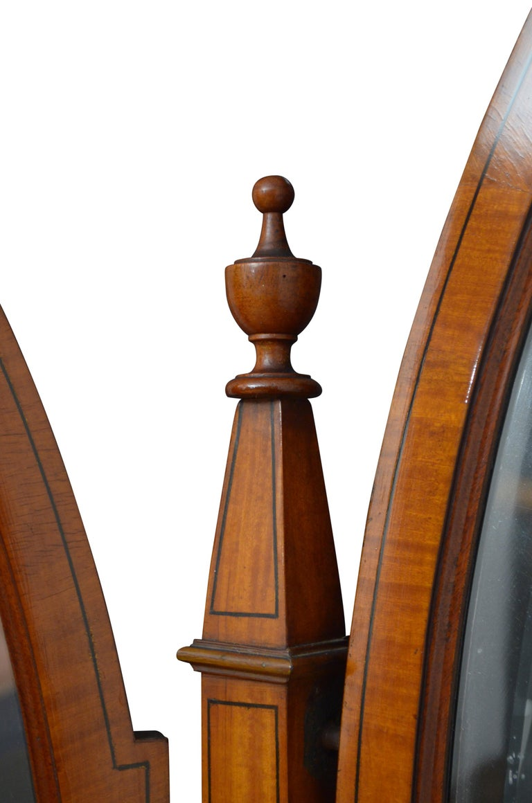 Edwardian Satinwood Dressing Table In Good Condition For Sale In Whaley Bridge, GB